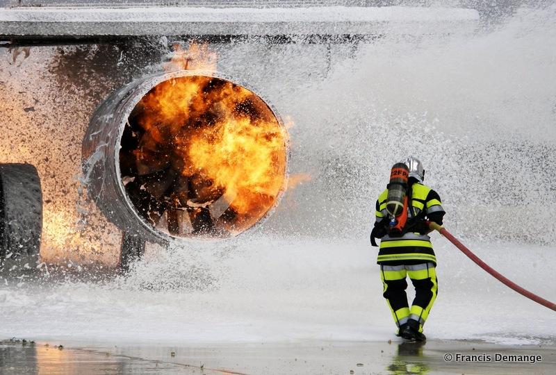 """""""Crash aérien avec les pompiers de l'extrême"""""""