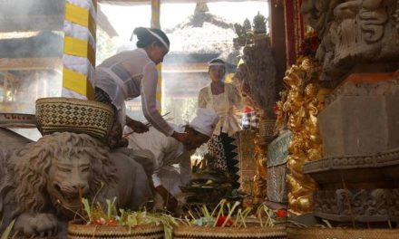 Magazine / Bali, Indonésie.  LES FETES DE GALUNGAN