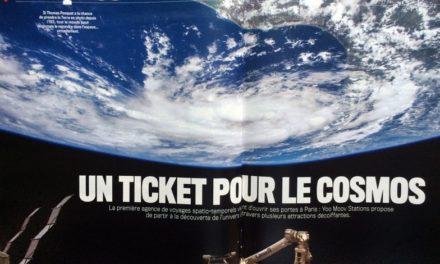 """""""UN TICKET POUR LE COSMOS"""" 4 pages VSD N°2055 (40 ans) 1977-2027 du 12 au 18 janvier 2017. La première agence spatio-temporels (You Moov Stations) à ouvert à Paris pour la découverte de l'Univers à travers des attractions décoiffantes."""