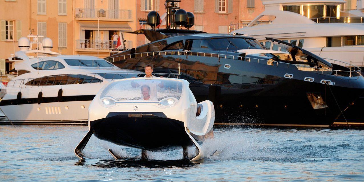 Le premier SeaBubble dans la baie de Saint Tropez.