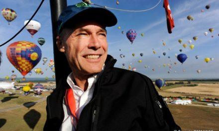 EXCLUSIF : Bertrand Piccard au Mondial Air ballons lors du record du plus grand lâché de montgolfières au monde