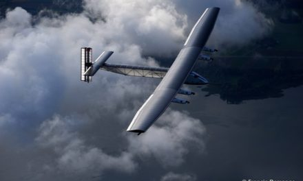 """Solar Impulse – Décembre 2009 – Travail en exclusivité sur l'aventure de l'avion solaire : """"Solar Impulse"""", le rêve fou du """" Saventurier """" Bertrand Piccard et du pilote André Borschberg"""