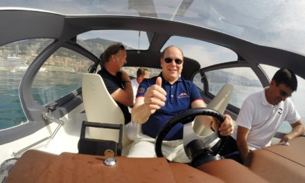Monaco / Genève  SEABUBBLES – TRANSPORT VOLANT DU FUTUR – Le Prince Albert II conquis par le SeaBubbles