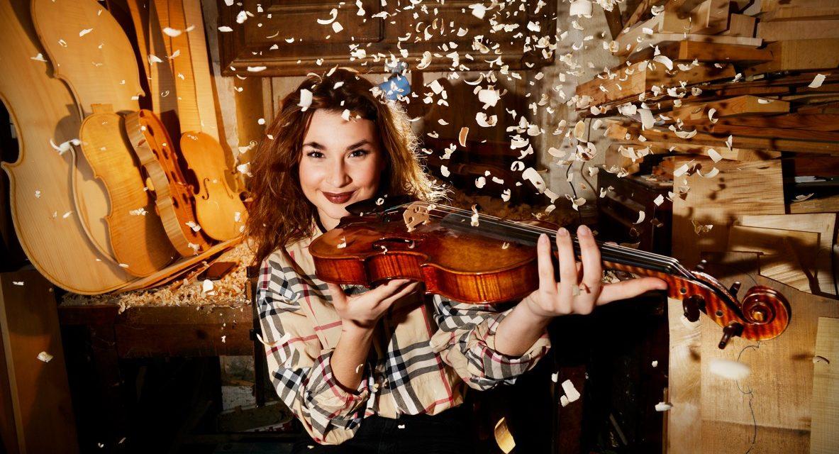 Métier d'Art : L'excellence française Au coeur de la Lutherie de Mirecourt La plus jeune luthière du monde